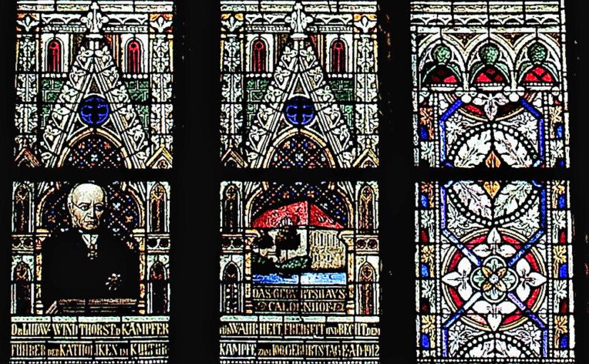 Ludwig Windthorst, im Kirchenfenster von St. Lambertus Ostercappeln